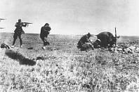 Nacisté střílí ukrajinské civilisty