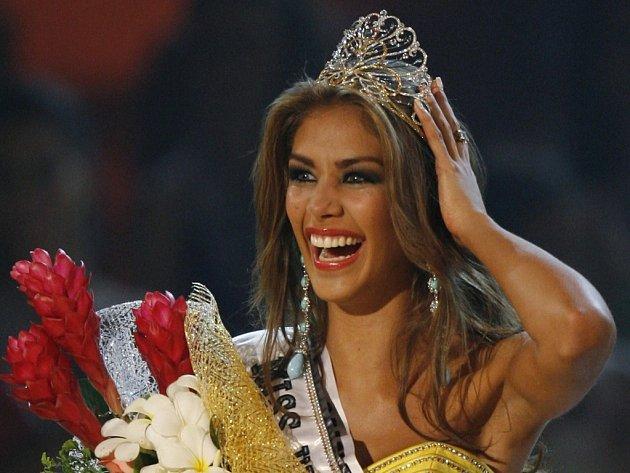 Venezuelka Dayana Mondozová byla v pondělí prohlášena nejkrásnější dívkou vesmíru v soutěži Miss Universe, která se uskutečnila ve Vietnamu.
