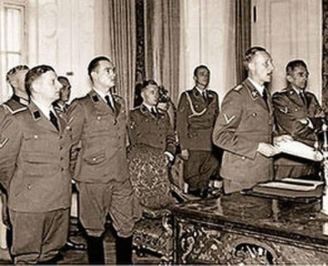 Horst Böhme, Wolfgang Wolfram von Wolmar, Reinhard Heydrich a Karl-Hermann Frank v Praze na podzim 1941