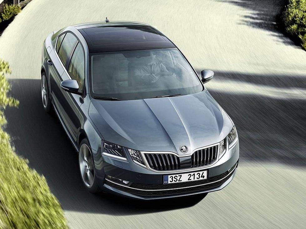 Nedávno představený facelift třetí generace Škody Octavia přináší zejména dělené přední světlomety.