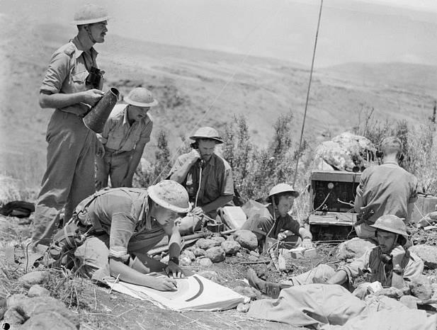 Vojáci australského 6. dělostřeleckého pluku
