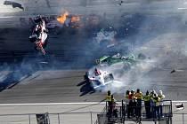 Nehoda při závodu IndyCar - ilustrační foto.