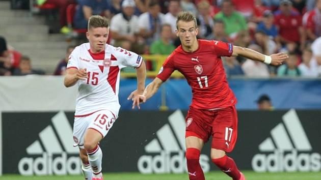 Václav Černý (vlevo) proti Dánsku. Pro český tým jde o jednoho z nejtradičnějších soupeřů.