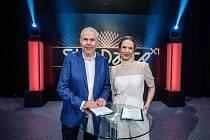 Moderátoři StarDance Marek Eben a Tereza Kostková