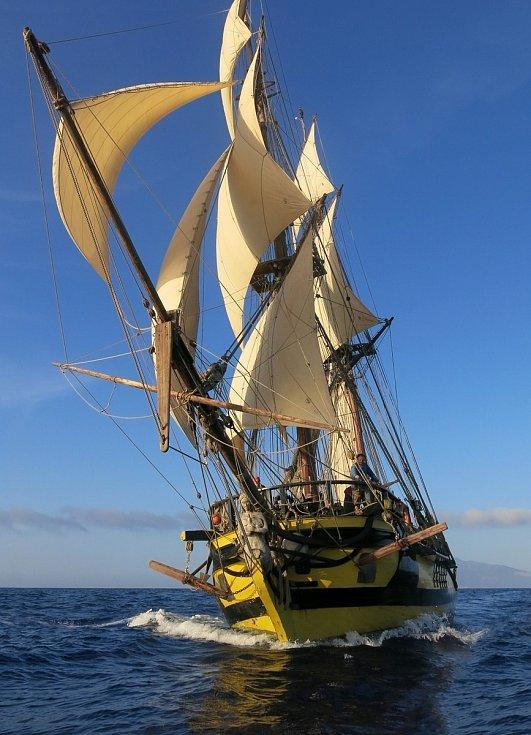 La Grace brázdí moře deset let. Toto jméno na svých obchodních i objevných cestách kolem Evropy, Ameriky, po ostrovech Karibského moře i přes Atlantský oceán původně nesla loď Augustina Heřmana
