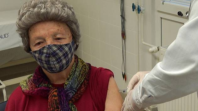 Očkování proti Covidu neustále provázejí další a další lži a dezinformace, ilustrační foto