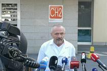 Miroslav Zavoral, ošetřující lékař Miloše Zemana a ředitel ÚVN, na krátké tiskové konferenci po hospitalizaci prezidenta