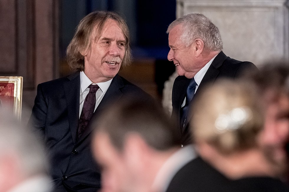 Prezident Miloš Zeman na státní svátek 28. října předával státní vyznamenání ve Vladislavském sále Pražského hradu. Nohavica