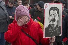 Snímek pořízený při 63. výročí Stalinovy smrti