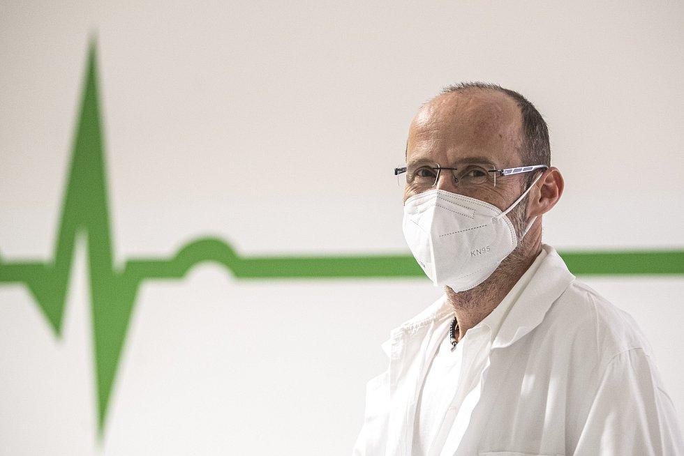 Nemocnice Sokolov při boji proti pandemii v době koronaviru 24. února v Sokolově. Primář ARO Martin Stankovič