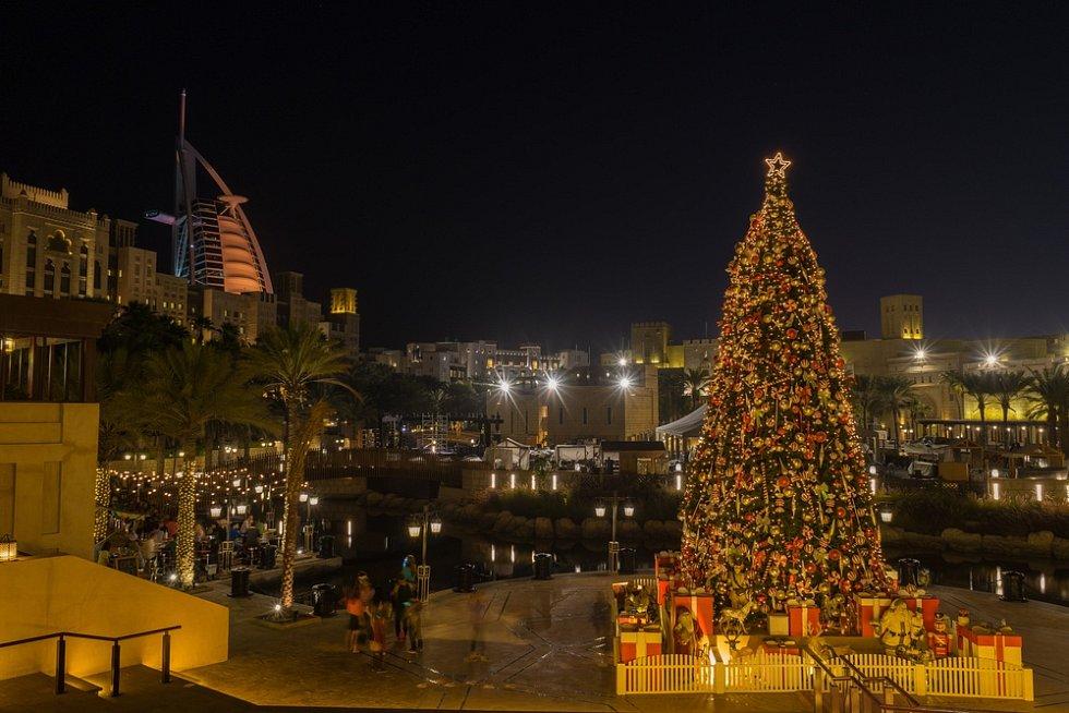 Vánoce v Dubaji. Ilustrační snímek