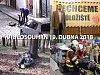 Akrobacie s hlavou v kanálu, záchrana bobra a pohřeb motorkáře: videa dne