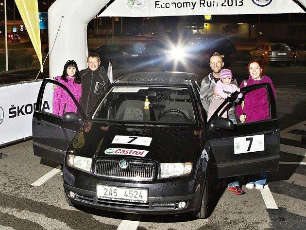 Se spotřebou 2,6 l/100 km dosáhli Marek Tribula a Martin Kadlec vítězství v rámci Škoda Economy Run 2013.
