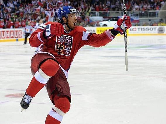 Martin Havlát se raduje z gólu do sítě Lotyšska.