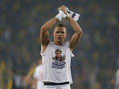 Dmitrij Tarasov z Lokomotivu Moskva provokoval s tričkem s podobiznou prezidenta Vladimira Putina.