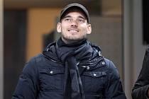 Záložník Wesley Sneijder.