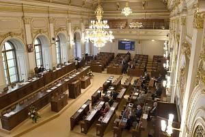 Schůze Poslanecké sněmovny - ilustrační foto