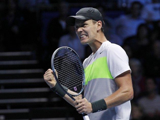 Tomáš Berdych se raduje z výhry na Turnaji mistrů v Londýně.