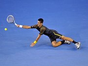 Novak Djokovič ve finále Australian Open proti Andymu Murraymu.
