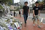 V Hongkongu dnes propustili z vězení dvaadvacetiletého Joshuu Wonga (vlevo), který byl hlavní osobností tamních studentských protestů v roce 2014