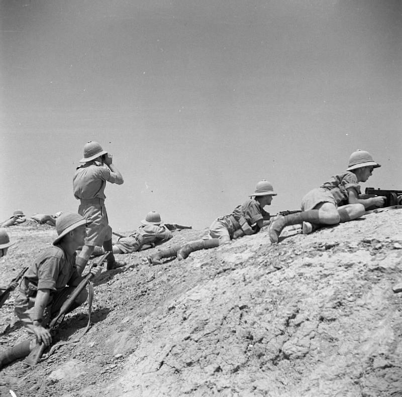 Britští vojáci během přestřelky poblíž Ramádí