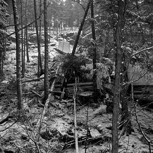 Útok na letišti v New Yorku přišel tři roky po pumovém atentátu na jugoslávské letadlo, které se zřítilo nedaleko České Kamenice