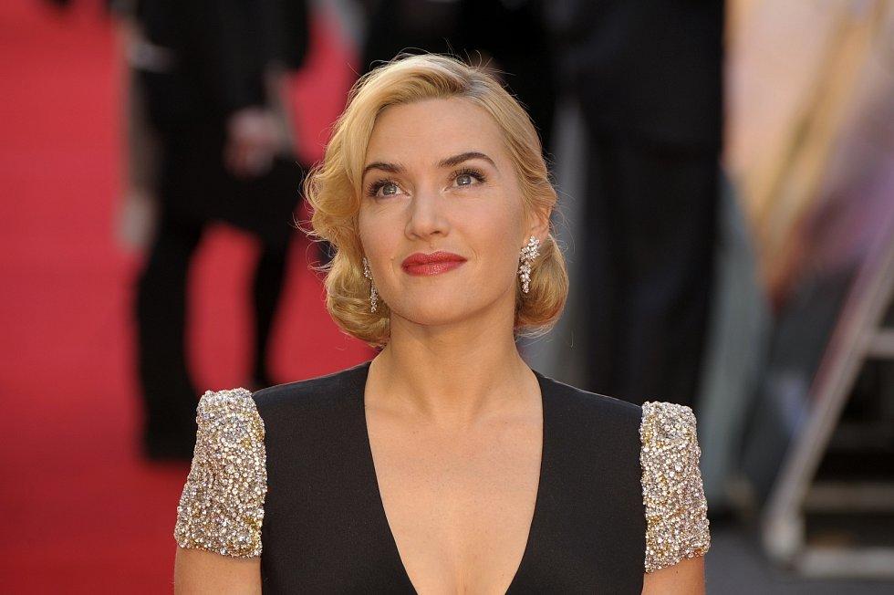 Kate Winslet je majitelka mnoha filmových ocenění, okouzlujících křivek a matka tří dětí.