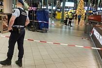 Policie krátkodobě evakuovala část letiště v Amsterdamu