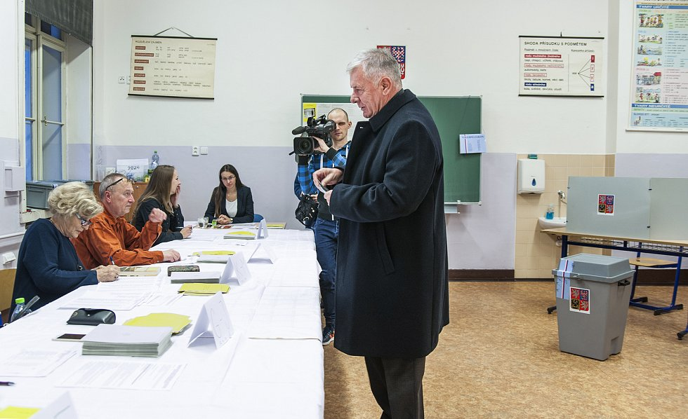Vratislav Kulhánek volí, 12.1.2018
