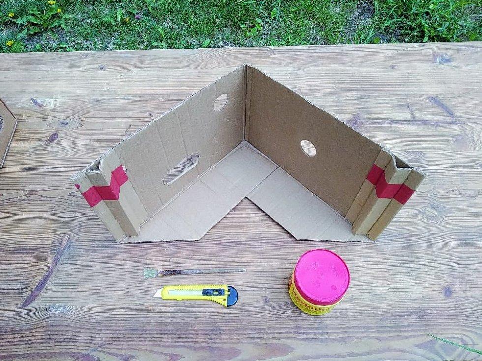 Krabicový domeček pro panenky