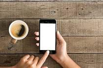 Služební mobil a konzumace kávy zdarma - dva nejčastější benefity.