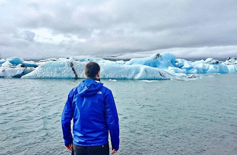 Největším evropským národním parkem je islanský Vatnajökull. Rozkládá se na stejnojmenném ledovci. Pro návštěvu je potřeba zvážit roční období, a zakoupit kvalitní termo oblečení.