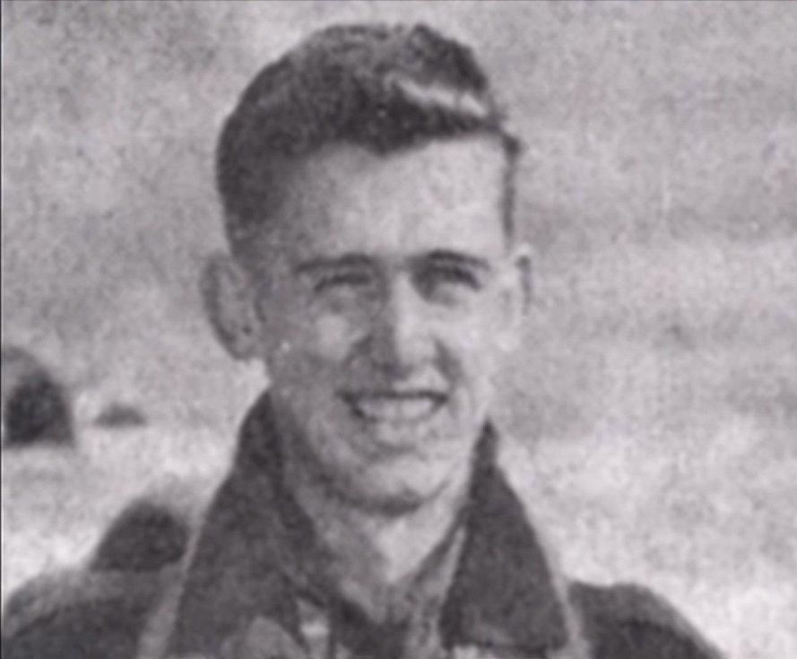 Pilot stíhačky, pětadvacetiletý William Schmidt