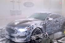 Testování nového Fordu Mustang v extrémních podmínkách.