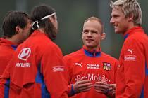 Marek Jarolím (uprostřed) patří mezi nejvytíženější hráče reprezentace.