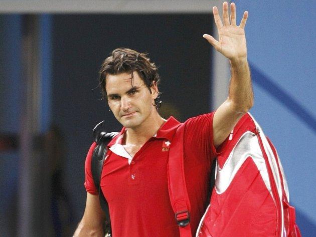 Roger Federer se loučí s pekingským publikem.
