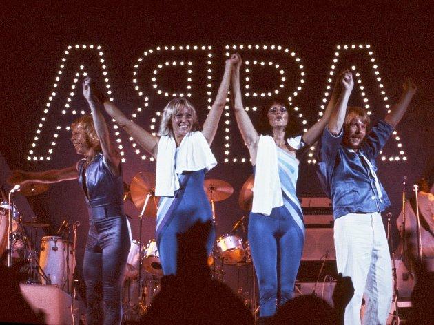 Skupina ABBA během své úspěšné zastávky v Londýně v roce 1979.