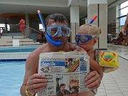 V Maďarsku s vnučkou - učí se plavat