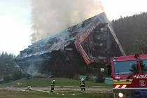 Požár hotelu Junior v lyžařském středisku Jasná v Nízkých Tatrách na Slovensku.