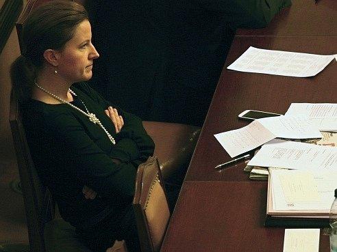 Vicepremiérka a ministryně obrany Karolína Peake