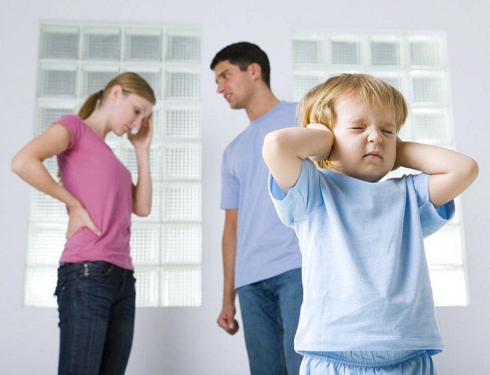 Příčinou toho, že z člověka vyroste narcista, je velmi konkrétní způsob zacházení s dítětem ze strany rodičů, případně i jiných významných vztahových osob.