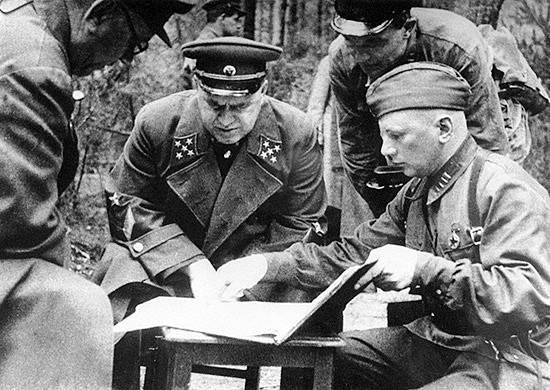 Velitel obrany Moskvy maršál Georgij Konstantinovič Žukov na podzim 1941