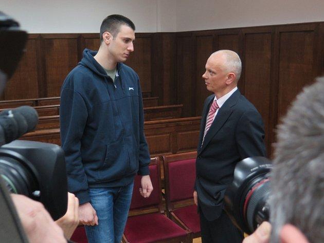 Slovinský soud dnes poslal na 15 měsíců za mříže Itala slovinského původu, který loni poslal otrávený dopis ministrovi financí Andreji Babišovi.