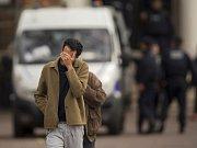 Počet obětí série pátečních teroristických útoků v Paříži vzrostl na 129.