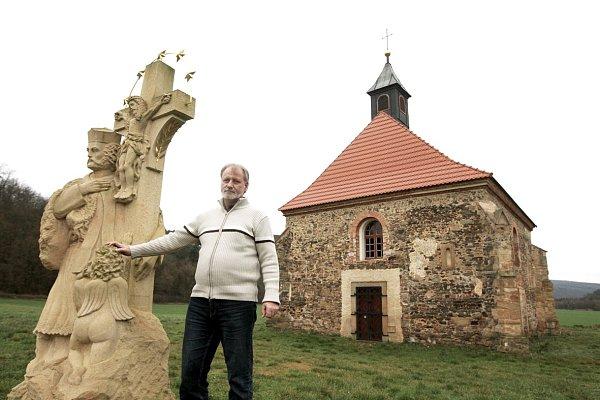 Petr Jirásek uzachráněného kostela.
