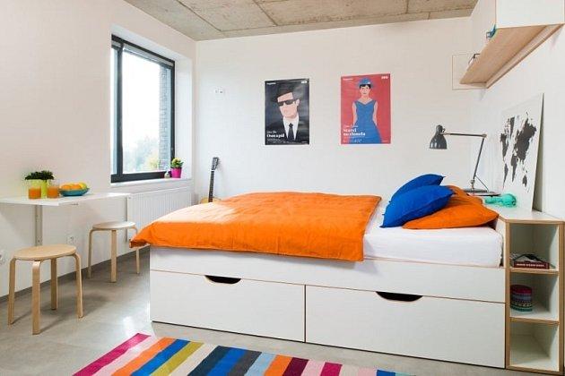 Pokoje jsou zařízeny moderně a stylově.