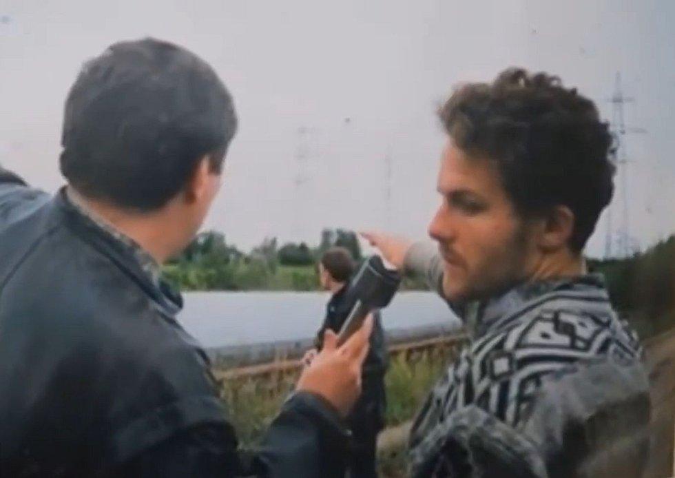Záběry z policejní rekonstrukce prováděné se sériovým vrahem Šemjakovem