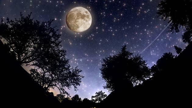 Pozorování hvězd přináší kouzelný zážitek i antistresové cvičení v jednom