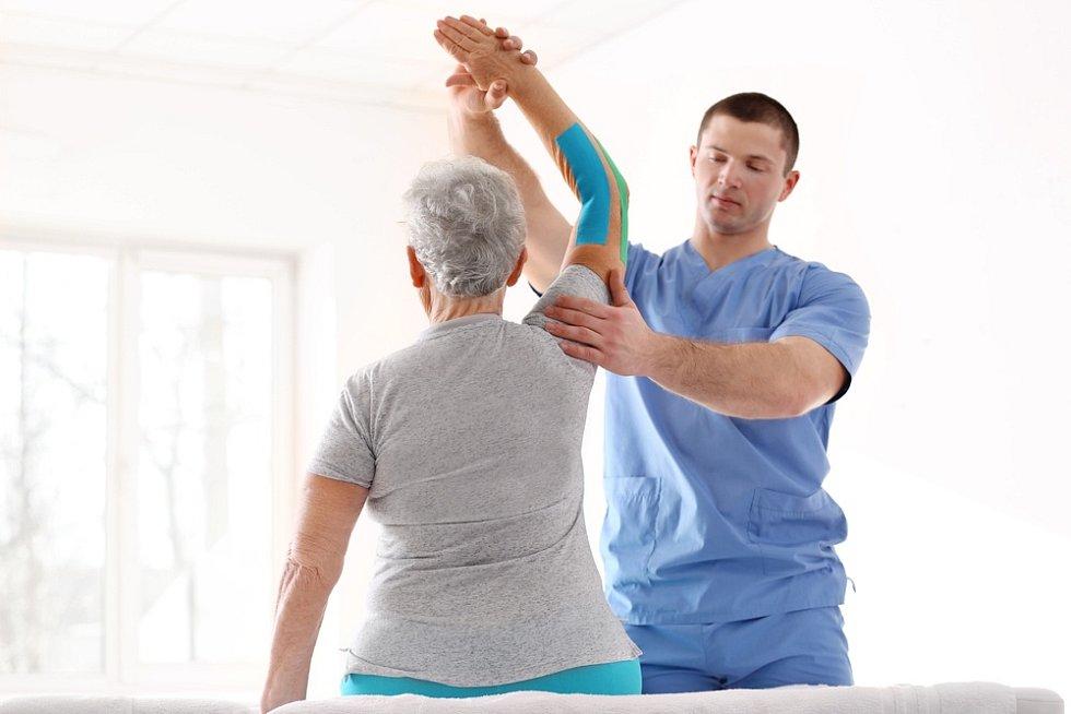 Domácí péče a rehabilitace se zaměřuje na zlepšení zdravotního stavu, případně alespoň zmírnění potíží souvisejících se zdravotním stavem.