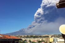 Sopka Etna se probudila k životu.